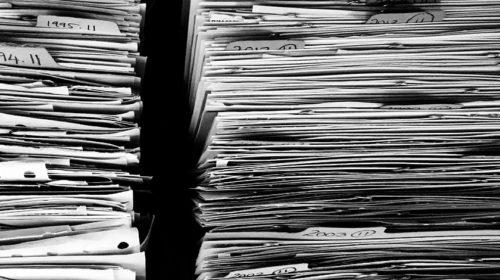 Vláda si posvítila na spisovku – a nedopadlo to moc dobře