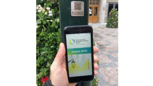 Praha doplní štítky na stožárech veřejného osvětlení QR kódy